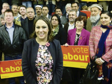 'Outsider' is Labour choice for 2015 poll