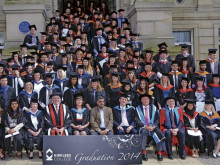 Internet pioneer sees graduates collect their degrees