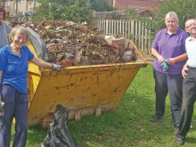 Neighbours win cash backing for litter project
