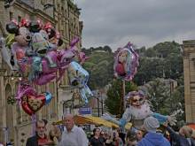 Crowds flock to Batley for a fun day out