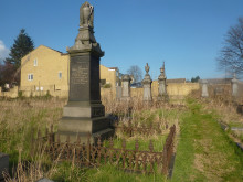 Fears for town's heritage as cemetery falls into ruin