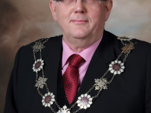 Mayor calls on tycoon to aid links with business
