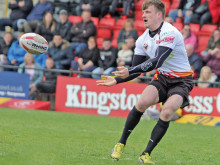 Thackeray double sparks fightback at Fev
