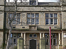 Council 'naive' to allow free demolition of school building