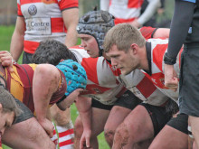 Moorenders lose out to league leaders