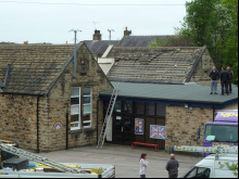 School forced to close after theft ... of its roof