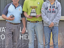 Jewitt fights back to clinch bowls trophy