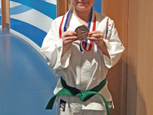 Evelyn wins bronze