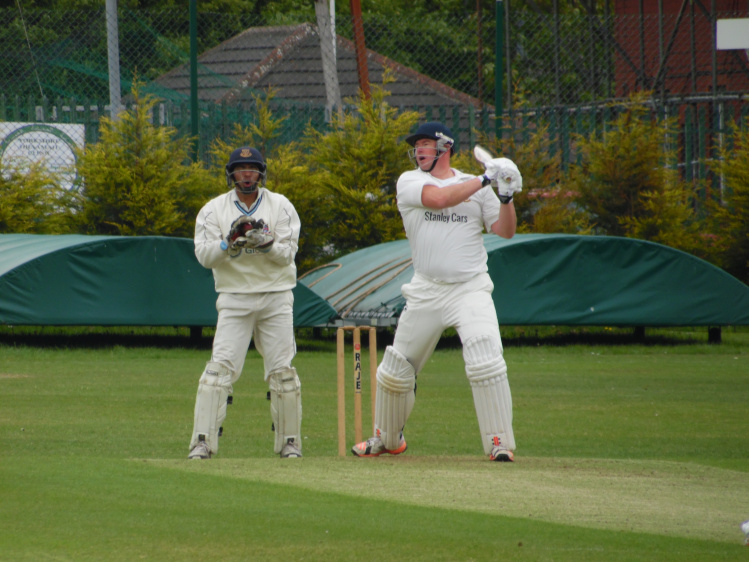 Wood leads from the front for Cleckheaton CC