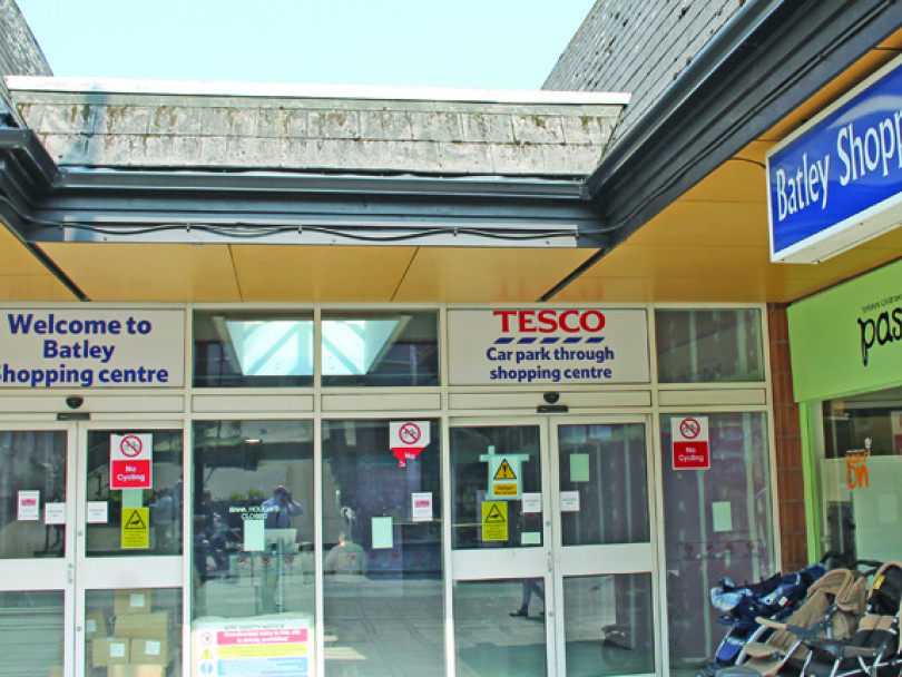 Batley shopping centre delayed to November