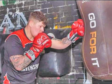 Dewsbury's Anderson set for pro debut
