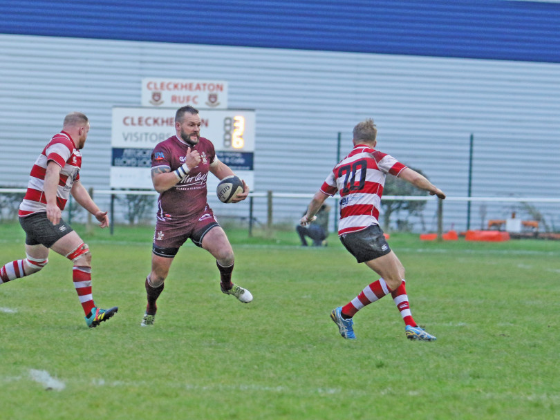 Cleckheaton edged out by local rivals