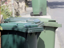 Angry bin workers denounce crews 'working half a shift'